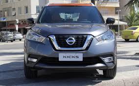 nissan kicks 2018 comparison nissan kicks sr 2018 vs toyota chr 2018 suv drive