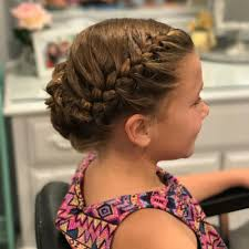hairstyle to distract feom neck 32 adorable hairstyles for little girls