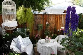 14 romantic backyard patio design ideas rilane