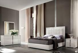 chambre laqué blanc brillant marina laque blanc brillant chambre a coucher l