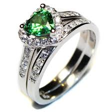 green rings images Emerald promise ring jpg
