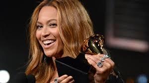 Beyonce Wedding Ring beyonce 2015 grammys pictures beyonce u0027s lorraine schwartz rings