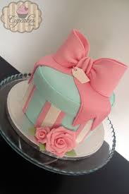 gift box cake cakecentral by lari85 cakes cakes more