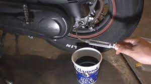 honda ruckus gear oil change youtube