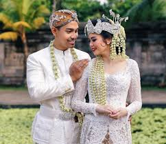 7 of the many types of kebaya in indonesia