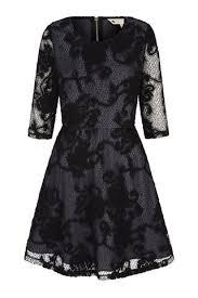 25 beste ideeën over black tie wedding guest dresses op pinterest