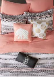 Coral And Gold Bedding Best 25 Peach Bedding Ideas On Pinterest Peach Baby Nursery