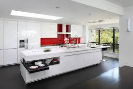 meuble de cuisine en verre crédence adhésive en verre vif meubles de cuisine blanc
