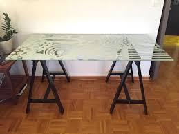 bureau ikea verre et alu bureau plaque de verre les trteaux branex design designs par