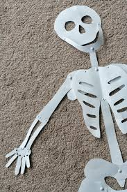 Halloween Skeleton Decoration Ideas Diy Halloween Decoration Life Sized Skeleton