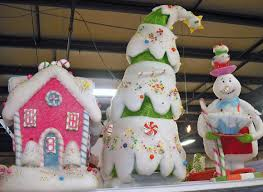 themed christmas decorations candy themed christmas decorations most 373 best ideas