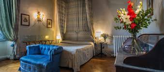 romantic honeymoon in a charming boutique hotel in florence centre