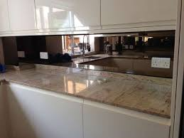 Mirror Backsplash Tiles by Best 25 Mirror Splashback Ideas Only On Pinterest Kitchen