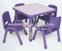 table et chaise pour b b chaises en plastique chaise design plastique par green with