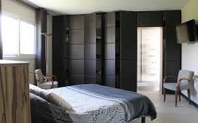 meuble chambre sur mesure une chambre bien organisée grâce des aménagements sur mesure