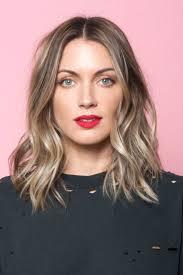 Frisuren Mittellange Wellige Haare by Die Besten 25 Mittellange Wellige Frisuren Ideen Auf