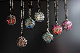 diy resin necklace images 15 diy resin jewelry projects worthy of gifting jpg