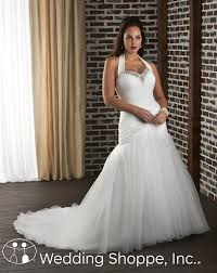 wedding dress for curvy 6 tips for finding fashionable and figure flattering plus size