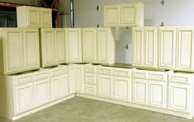 Grey Kitchen Cabinets For Sale Saving By Finding Display Cabinets For Sale Kraftmaid Outlet