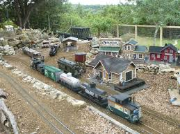 austin enthusiasts all aboard the garden train in backyards