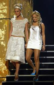 Nicole Richie Hair Extensions by Tbt 10 Of Paris Hilton And Nicole Richie U0027s Most Iconic U002700s