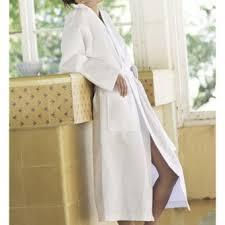 robe de chambre eponge femme quand porter un peignoir éponge est un privilège lepeignoir fr