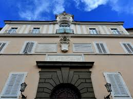 the vatican opens up pope francis u0027s summer home to public condé