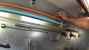 Caravan Interior Storage Solutions Idees Voor De Speelcaravan On Pinterest Caravan Glamping And