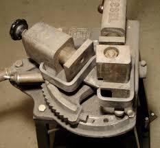 ancienne grosse plieuse gressel pour fers plats et fers ronds jpg