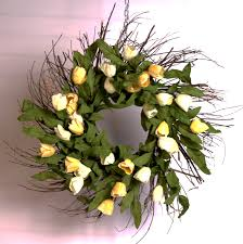 tulip wreath yellow tulip wreath paul michael company