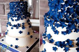 hochzeitstorten dekorieren 15 blume dekoration hochzeitstorte blau weiss eine blaue hochzeit