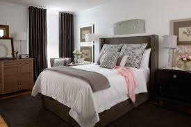 Traditional Bedroom Decorating Ideas Pictures - fabulous bed and white quilt in traditional small bedroom