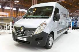 renault one cv show 2014 renault trafic and master revealed to the public