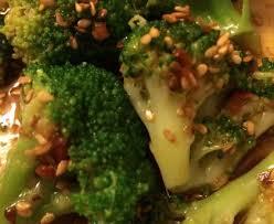 cuisiner le brocolis marmiton salade de brocolis à la coréenne recette de salade de brocolis à
