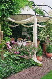 pavillon im feng shui garten wohnen und garten foto floral