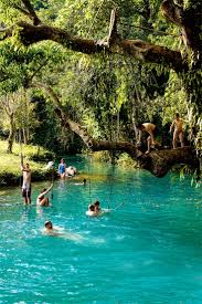 vacation resorts amazing places to take a vacation for cheap cave