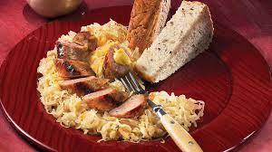 cuisiner choucroute choucroute garnie recettes iga saucisse vin blanc recette facile