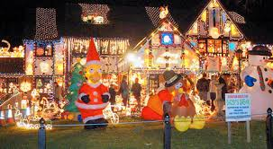 christmas lights on house ho ho dunnit who would object to the house with 22 000 christmas