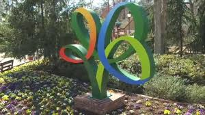 busch gardens family package new coaster tree statue busch gardens williamsburg va youtube