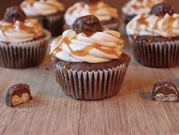 cupcakes recipe twix cupcakes recipe homemade food junkie