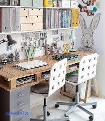 fabriquer un bureau avec des palettes chaise salle manger moderne proche cuisine aménagée élégant bureau