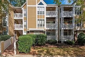 the villages of eastover glen condominiums charlotte nc recently