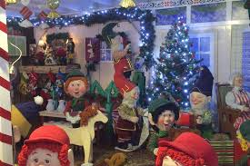 Extra Large Christmas Decorations by Over The Top Christmas Decorations Give Staten Island Homes A