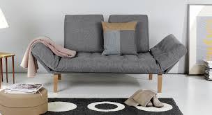 Schlafzimmer Mit Holz Tapete Schlafsofa Kleine Raume Home Design Und Möbel Ideen