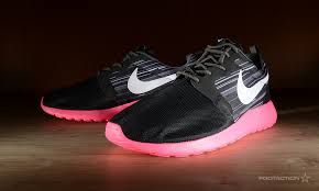 rosch runs nike roshe run hyperfuse black hyper pinkfootaction club