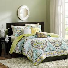 Green And Yellow Comforter Bedroom Queen Size Comforter Sets To Give Your Bedroom Feel