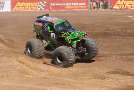 monster truck grave digger monster truck grave digger by brandonlee88 on deviantart