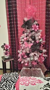 pink black and white 4 ft tree i did for 2013