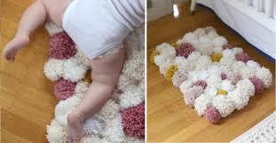 bricolage chambre bébé comment fabriquer un tapis pompons pour la chambre de bébé é