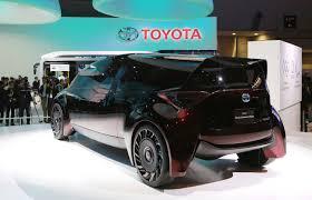 hydrogen fuel cell car toyota tokyo hydrogen fuel cell car push u0027dumb u0027 toyota makes a case